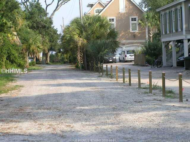 21 N Holloman Trace, Hilton Head Island, SC 29928 (MLS #323238) :: RE/MAX Coastal Realty
