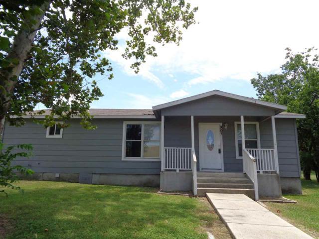 907 Live Oak E, Burnet, TX 78611 (#148939) :: Zina & Co. Real Estate