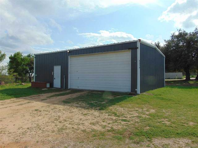 4324 Skyline, Kingsland, TX 78639 (#151597) :: Zina & Co. Real Estate