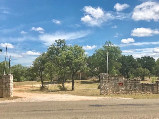 3115 Oak Ridge Drive, Horseshoe Bay, TX 78657 (#140538) :: The ZinaSells Group