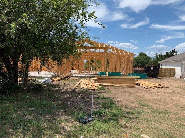 100 Ladera Cove, Marble Falls, TX 78654 (#148940) :: Zina & Co. Real Estate