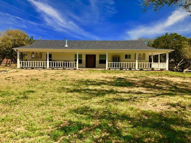 810 Oak Vista Drive N, Burnet, TX 78611 (#147285) :: Zina & Co. Real Estate