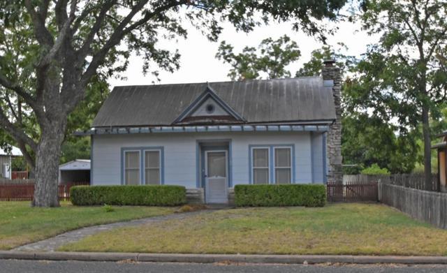 105 E Morse St, Fredericksburg, TX 78624 (MLS #76313) :: Absolute Charm Real Estate