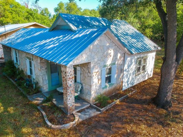 708 W Creek St, Fredericksburg, TX 78624 (MLS #76404) :: Absolute Charm Real Estate