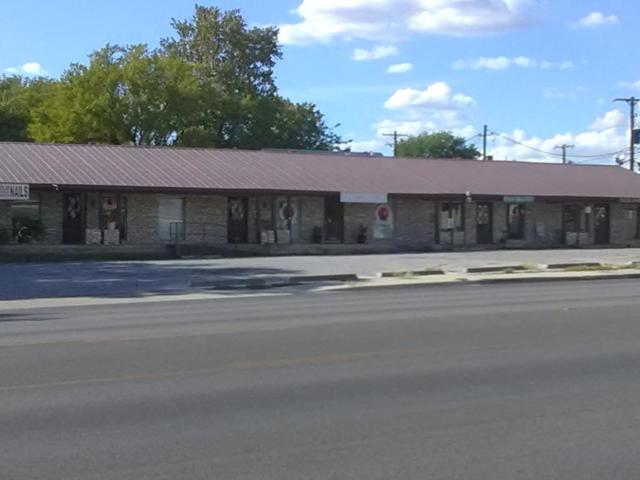 202 S Adams St, Fredericksburg, TX 78624 (MLS #76445) :: Absolute Charm Real Estate