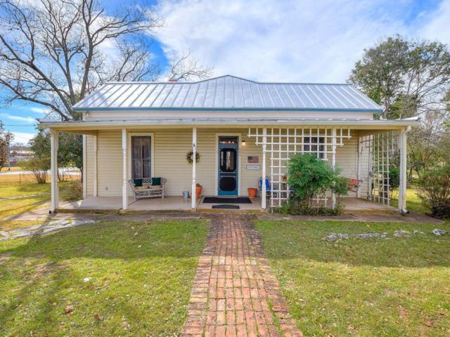 401 W Fulton St, Fredericksburg, TX 78624 (MLS #76871) :: Absolute Charm Real Estate