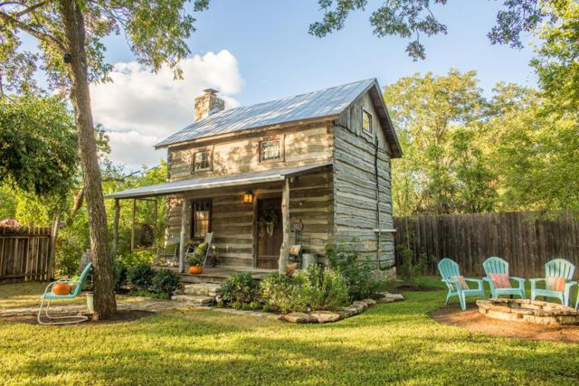 108 E Burbank St, Fredericksburg, TX 78624 (MLS #76894) :: Absolute Charm Real Estate
