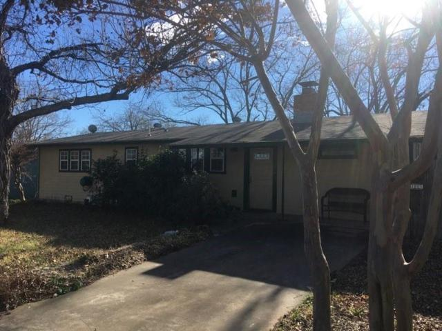 305 W Mulberry St, Fredericksburg, TX 78624 (MLS #76941) :: Absolute Charm Real Estate