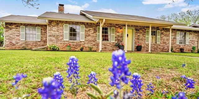 112 -- Glenmoor Dr, Fredericksburg, TX 78624 (MLS #79818) :: Reata Ranch Realty