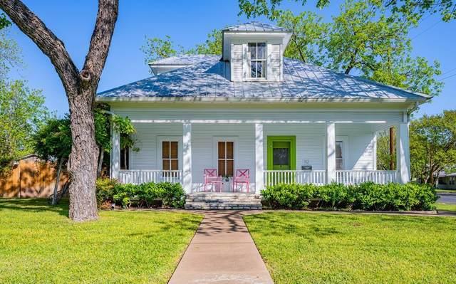 112 N Acorn St, Fredericksburg, TX 78624 (MLS #80044) :: Reata Ranch Realty