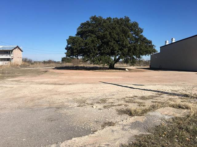 2033 S Bridge St, Brady, TX 76825 (MLS #80167) :: Reata Ranch Realty