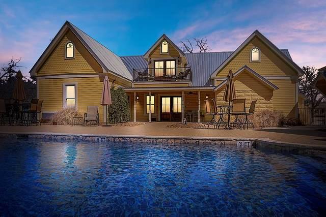 302 W Travis St, Fredericksburg, TX 78624 (MLS #81064) :: Reata Ranch Realty