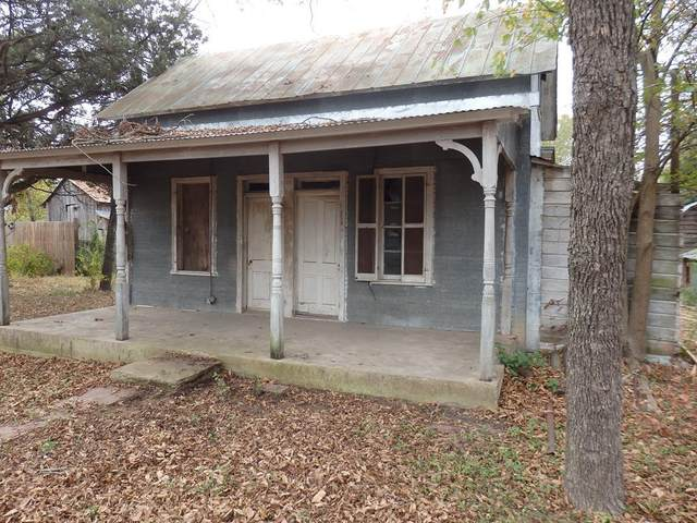 311 E Travis St, Fredericksburg, TX 78624 (MLS #81106) :: Reata Ranch Realty