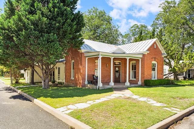 301 W Creek St, Fredericksburg, TX 78624 (MLS #81218) :: Reata Ranch Realty
