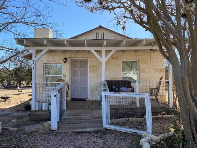 701 -- Winfred St, Fredericksburg, TX 78624 (MLS #81386) :: Reata Ranch Realty