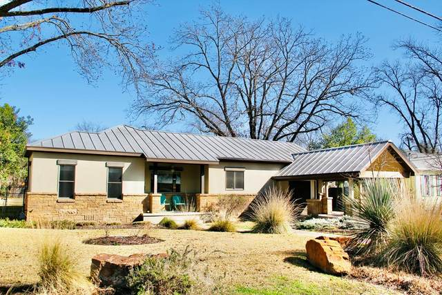 108 E College St, Fredericksburg, TX 78624 (MLS #81417) :: Reata Ranch Realty