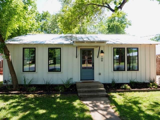 109 E Centre St, Fredericksburg, TX 78624 (MLS #81836) :: Reata Ranch Realty