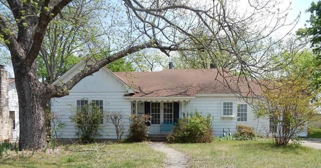 305 S Washington St, Fredericksburg, TX 78624 (MLS #81867) :: Reata Ranch Realty