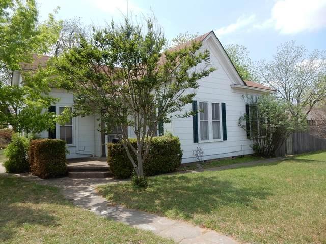 801 W Main St, Fredericksburg, TX 78624 (MLS #81870) :: Reata Ranch Realty