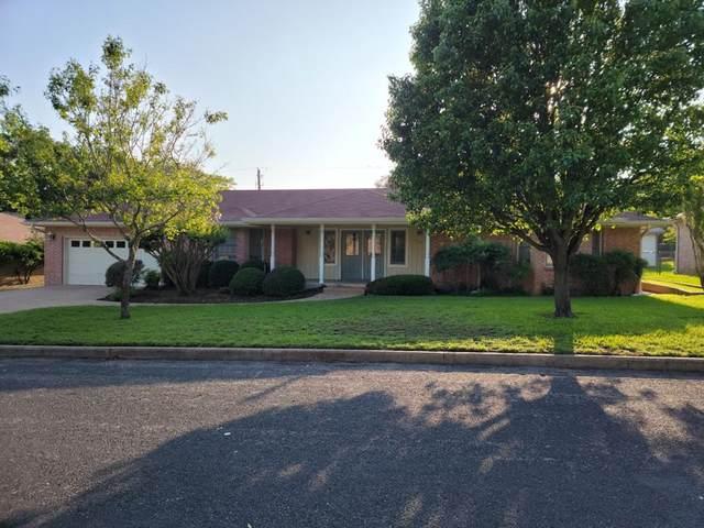 219 NE Edgewood Dr, Fredericksburg, TX 78624 (MLS #81992) :: Reata Ranch Realty