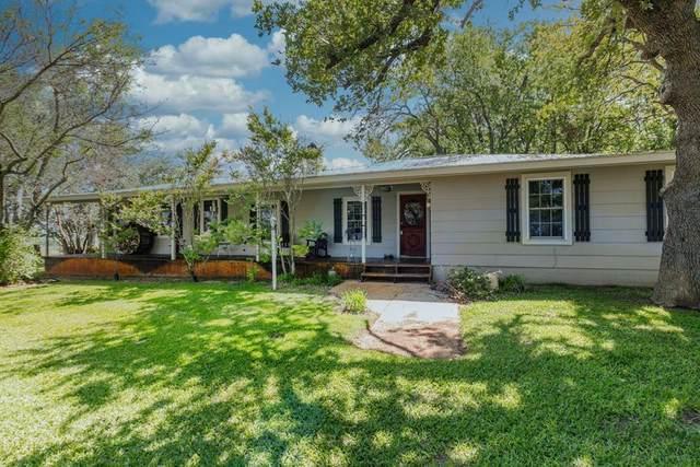 571 -- Center Point Rd, Fredericksburg, TX 78624 (MLS #82016) :: Reata Ranch Realty