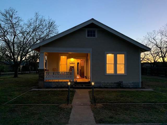 601 W Peach St, Fredericksburg, TX 78624 (MLS #82035) :: Reata Ranch Realty