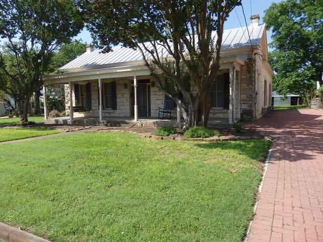 503 W Austin St, Fredericksburg, TX 78624 (MLS #82228) :: Neal & Neal Team