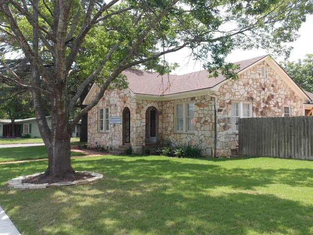 802 N Llano St, Fredericksburg, TX 78624 (MLS #82251) :: Reata Ranch Realty