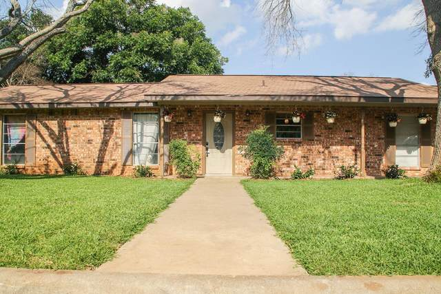 108 NE Crestwood Dr, Fredericksburg, TX 78624 (MLS #82280) :: Reata Ranch Realty