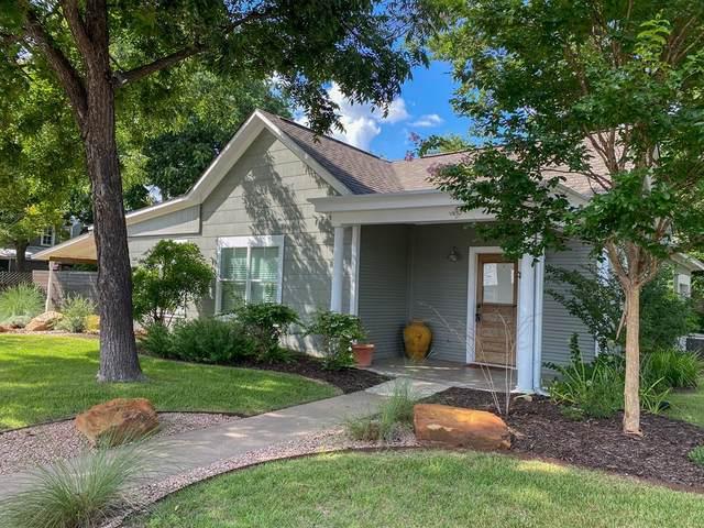 418 E Schubert St, Fredericksburg, TX 78624 (MLS #82285) :: Reata Ranch Realty