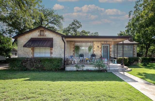 1207 E Main St, Fredericksburg, TX 78624 (MLS #82368) :: Reata Ranch Realty