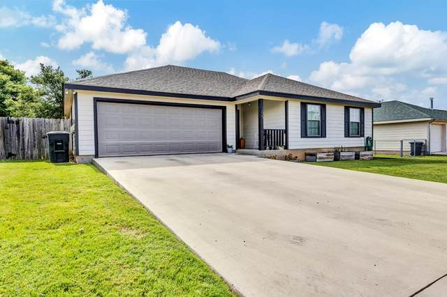 205 S Green Oaks Loop, Fredericksburg, TX 78624 (MLS #82409) :: Reata Ranch Realty