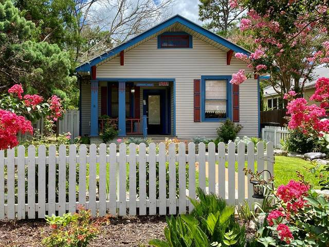 511 W Austin St, Fredericksburg, TX 78624 (MLS #82437) :: The Glover Homes & Land Group