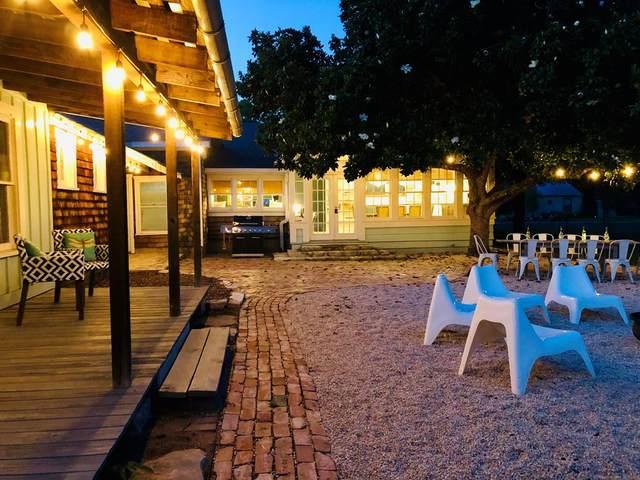 217 W Centre St, Fredericksburg, TX 78624 (MLS #82445) :: Reata Ranch Realty