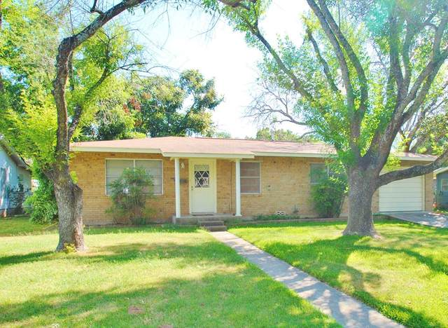 326 W Mulberry St, Fredericksburg, TX 78624 (MLS #82647) :: The Glover Homes & Land Group