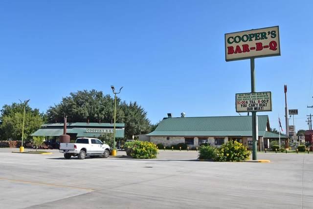 2423 N Main St, Junction, TX 76849 (MLS #82862) :: Reata Ranch Realty