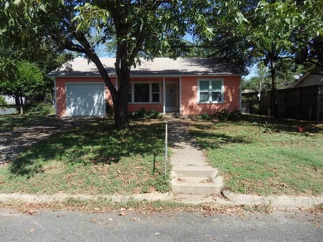 116 W Burbank St, Fredericksburg, TX 78624 (MLS #82998) :: Reata Ranch Realty