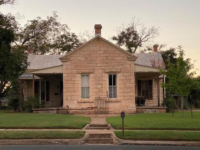 410 S Milam St, Fredericksburg, TX 78624 (MLS #83009) :: Reata Ranch Realty