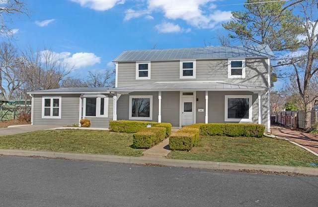 110 W Hackberry, Fredericksburg, TX 78624 (MLS #80912) :: Reata Ranch Realty