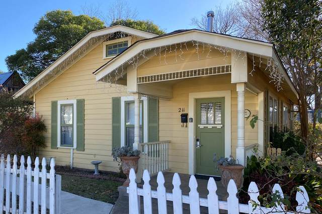 211 W Travis St, Fredericksburg, TX 78624 (MLS #81393) :: Reata Ranch Realty