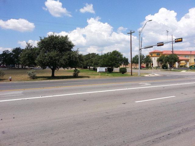 1511 E Main St, Fredericksburg, TX 78624 (MLS #71384) :: Absolute Charm Real Estate