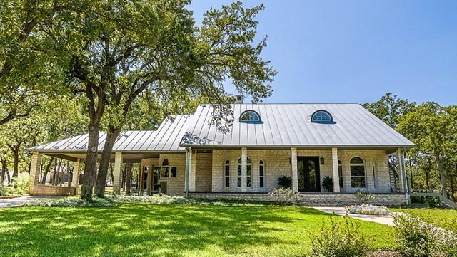 434 -- Southwoods Dr, Fredericksburg, TX 78624 (MLS #74524) :: Absolute Charm Real Estate