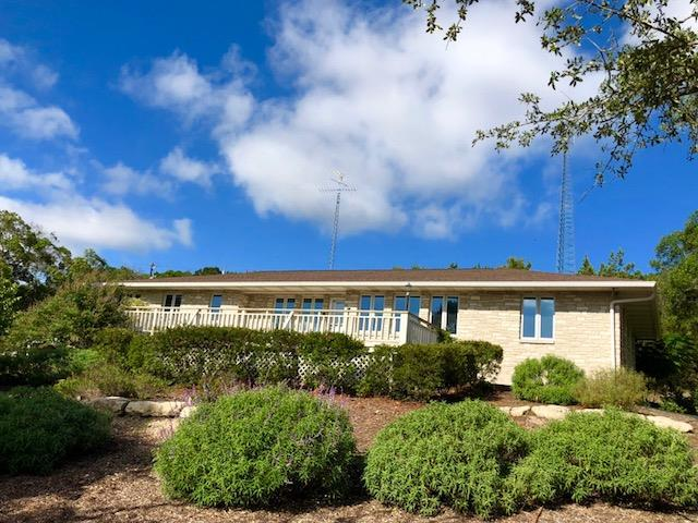 62 NW Roadrunner Dr., Fredericksburg, TX 78624 (MLS #76363) :: Absolute Charm Real Estate