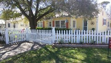 337 W Hackberry, Fredericksburg, TX 78624 (MLS #76547) :: Absolute Charm Real Estate