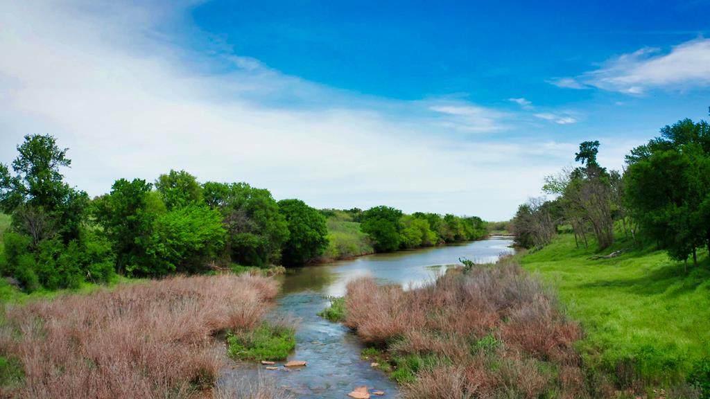 330 County Rd 330 - Photo 1