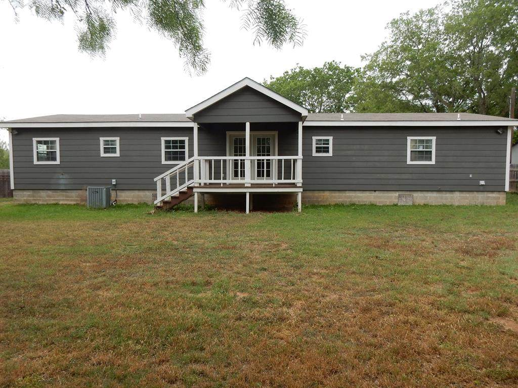 242 Ranch Rd 1623 - Photo 1