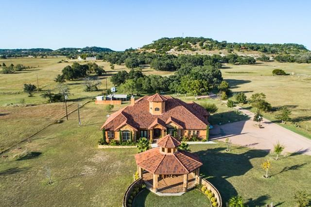 1472 W Live Oak St, Fredericksburg, TX 78624 (MLS #74729) :: Absolute Charm Real Estate