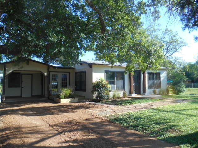904 -- Martin St, Mason, TX 76856 (MLS #76563) :: Absolute Charm Real Estate