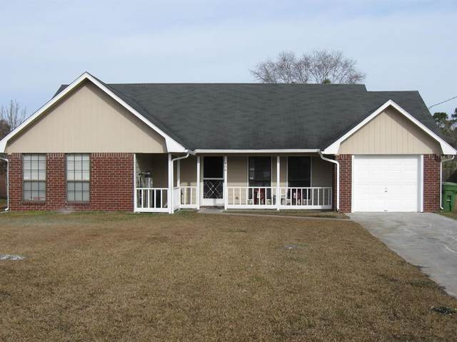 954 Grove Point Drive, Hinesville, GA 31313 (MLS #137839) :: Coldwell Banker Southern Coast