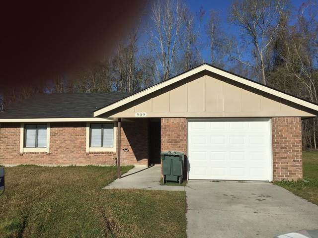 909 Copeland Drive, Hinesville, GA 31313 (MLS #139470) :: Coldwell Banker Southern Coast